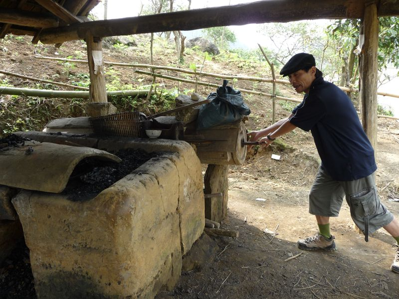 Forge Hmong